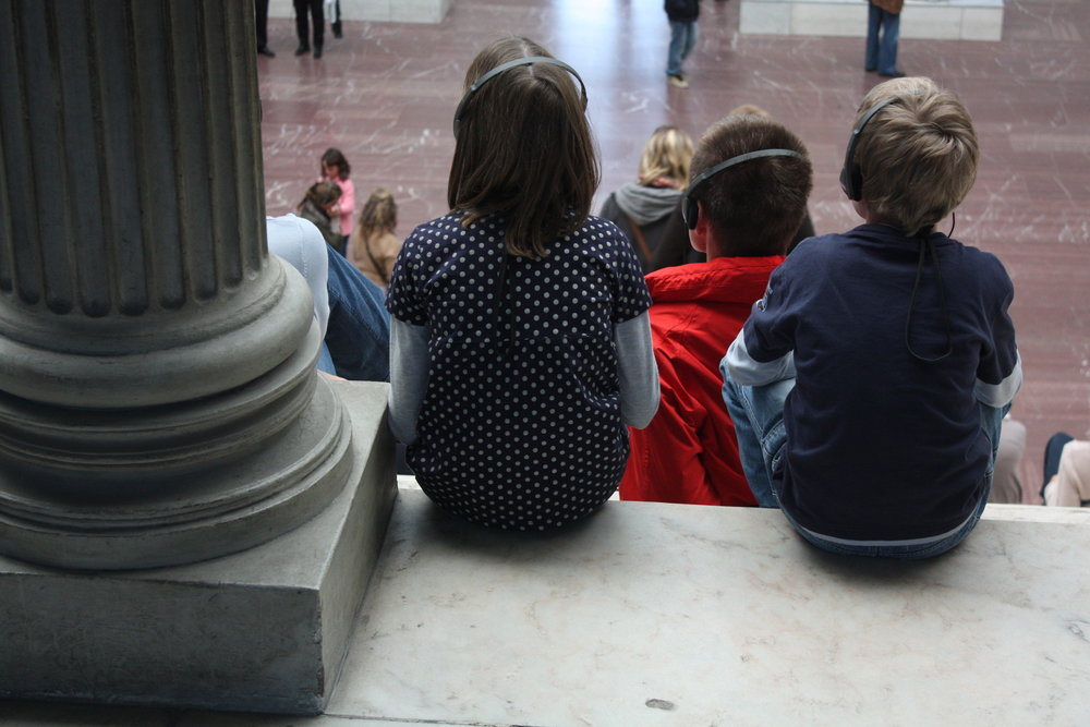 children visiting a museum learning