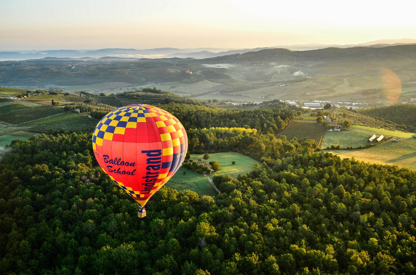 balloon-in-tuscany