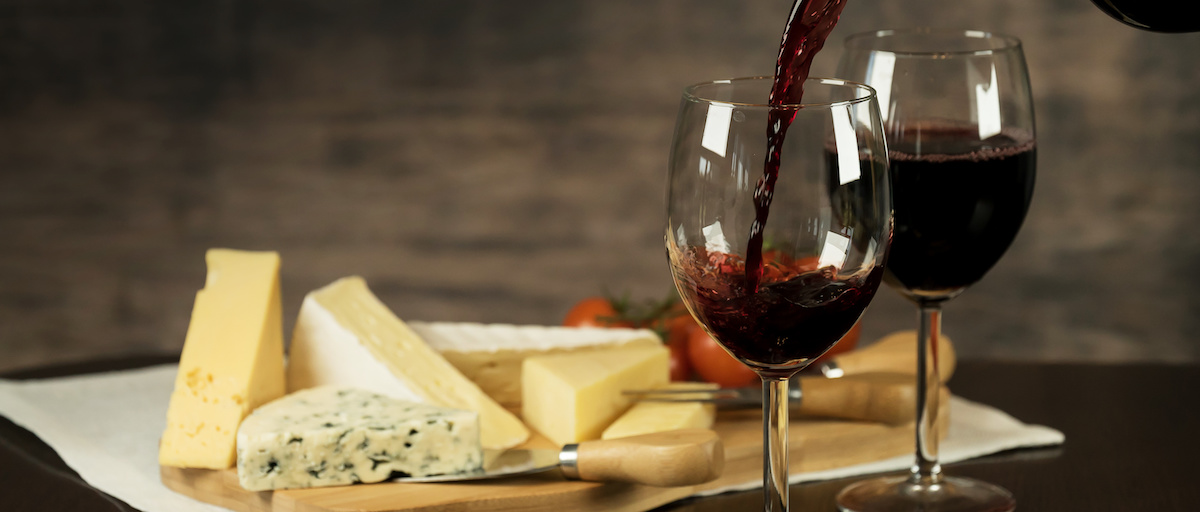 Red Wine and cheese board