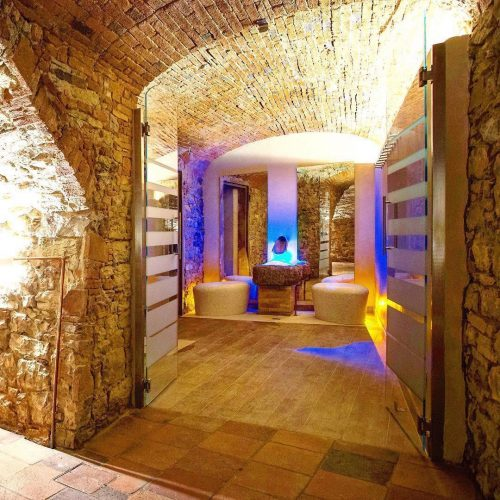 Capodanno-alle-terme-in-Toscana-piscina-palazzo-leopoldo
