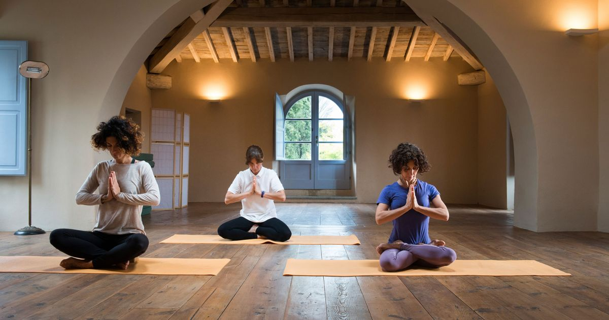 where to do a yoga retreat in Tuscany