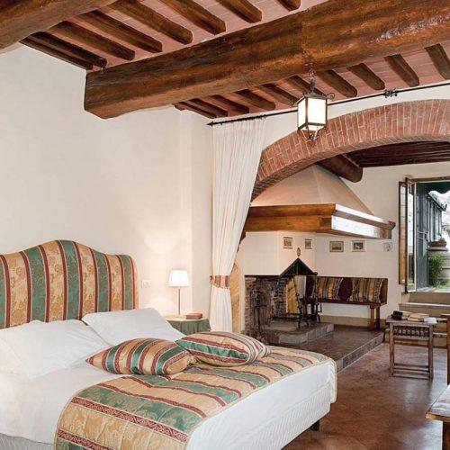 hotel romantico toscana