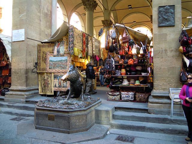 markets in tuscany mercato nuovo