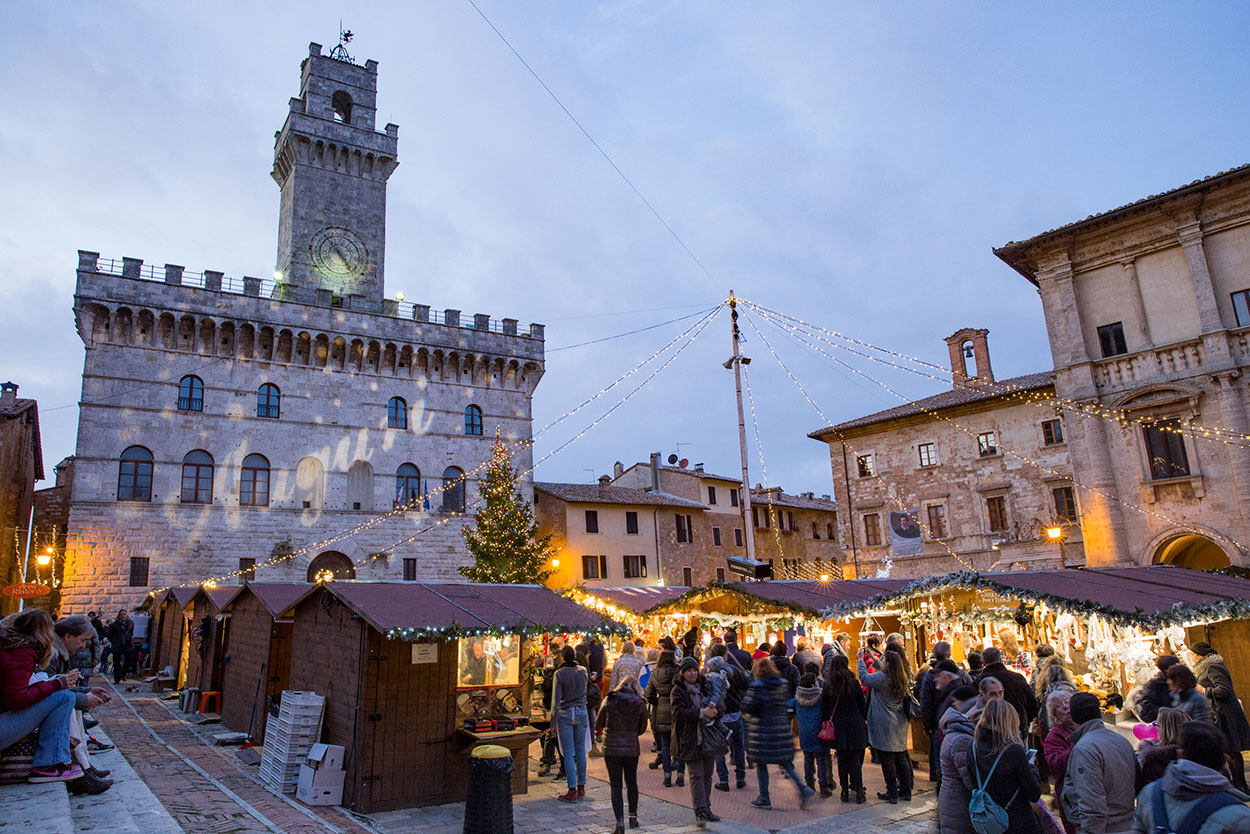 christmas in tuscany montepulciano christmas village