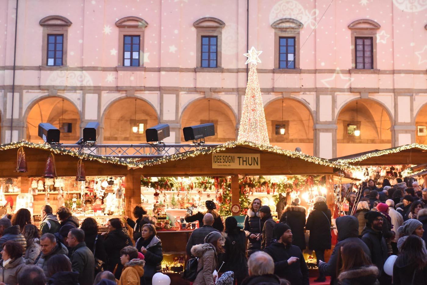 christmas in tuscany arezzo market