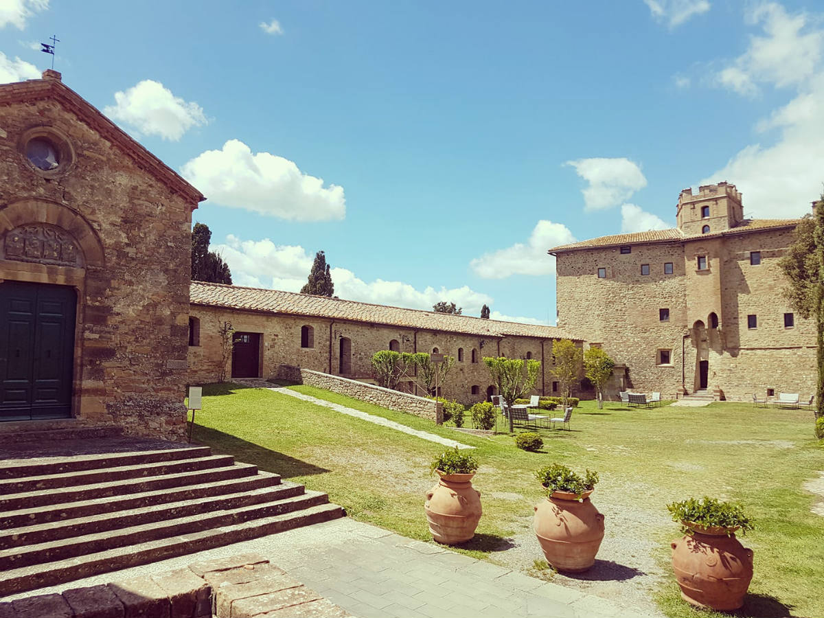 Castle in Tuscany to stay Castel Porrona