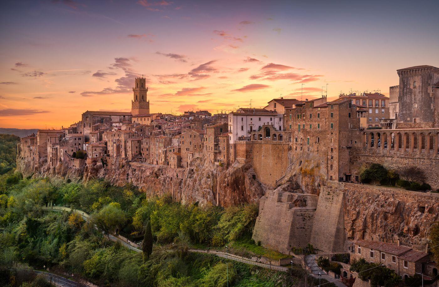 Villages in Tuscany: Pitigliano