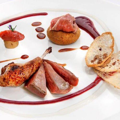 Piccione con castagne e uva fragola ristorante Da Caino